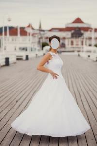 Przepiękna suknia ślubna, typ princessa, rozmiar 38