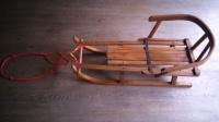 Drewniane sanki bukowe z oparciem - mocna konstrukcja