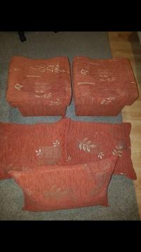 2 pufy +3 poduszki