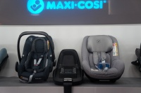 Foteliki samochodowe Rock, Pearl Smart, baza Od Maxi - Cosi