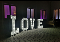 Napis LOVE, Led WYNAJEM, wesele 18 sesja fotograf dj