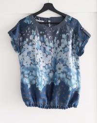 Bluzka bombka 36 Quiosque niebieska morska kwiaty