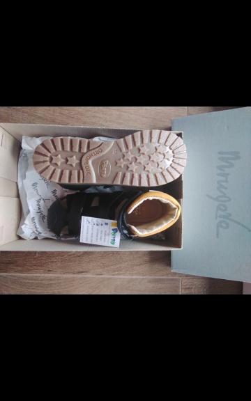 Sprzedam sandały profilowane nowe Mrugała Porto
