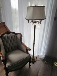 Sprzedam piękną stylową lampę mosiężną stojącą