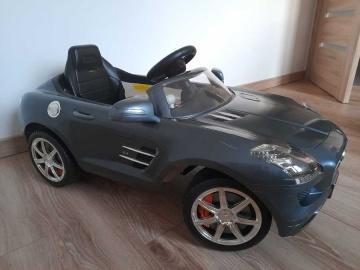 Sprzedam samochód elektryczny dla dziecka