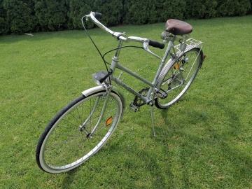 Sprzedam rower damka. Siedzisko na dużych amortyzatorach