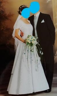 Elegancka/ ponadczasowa sukienka  ślubna