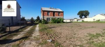 Działka usługowo-mieszkaniowa w centrum Sadlna