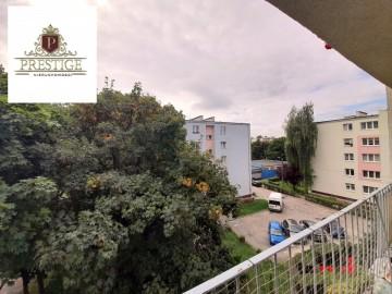 NOWA CENA!! Przestronne 3-pokojowe mieszkanie w centrum