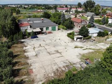 Hala, dwa domy, garaże, duża działka, Sompolno.