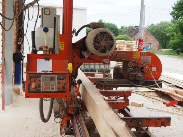 Operator traku trakowy Wood-Mizer LT-40 30zl m3