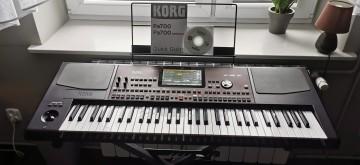 Keyboard Korg Pa 700