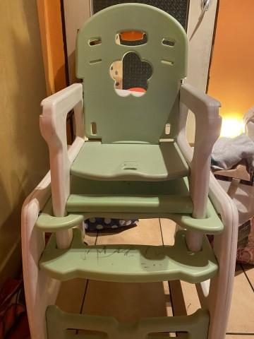 Oddam za darmo krzesło do karmienia