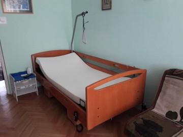 Łóżko rehabilitacyjne elektryczne + materac 1000 zł +/-