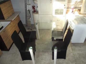 Szklany stół 140 cm / 80 cm + 4 krzesła