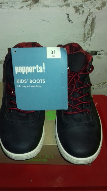 Sprzedam  obuwie chłopiec