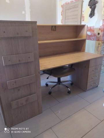 Sprzedam biurko z szufladami i szafą  cena 250