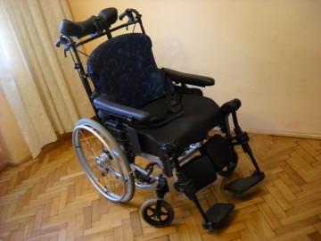 Wózek inwalidzki Rea Clematis szerokie wygodne siedzisko,