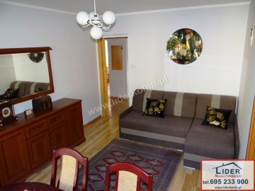 Sprzedam mieszkanie – 1 piętro – 3 pokoje – balkon – os. V