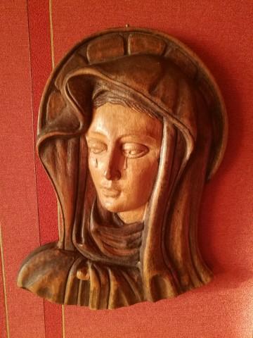 Matka Boska, Boża płaskorzeźba lite drewno.