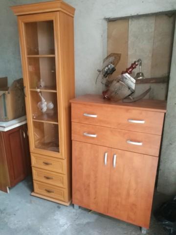 witryna, komoda, drzwi, żyrandole
