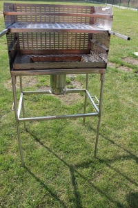 sprzedam grill ogrodowy ze stali nierdzewnej